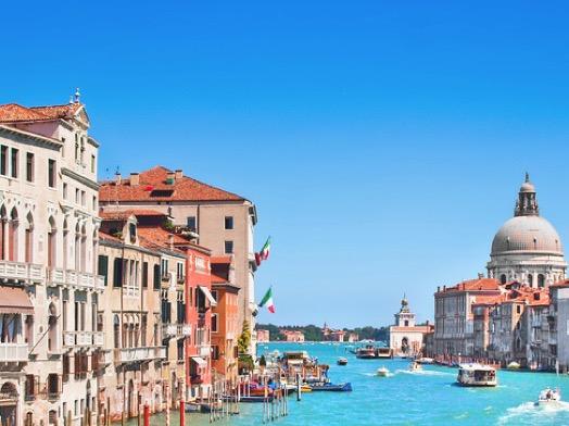 6 Länder/23 Städte/34 Häuser! 3 Tage für 2 Erwachsene + 2 Kids im A&O Hotel/Hostel nur 59,- Euro!