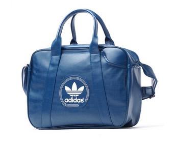Taschen und Rucksäcke von Adidas mit satten Rabatten bei Top12