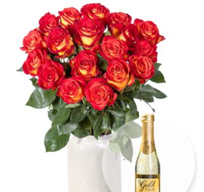 Rosenbouquet mit 18 langstieigen, gelb-orangen Rosen und Goldtraum-Piccolo für nur 21,99 Euro