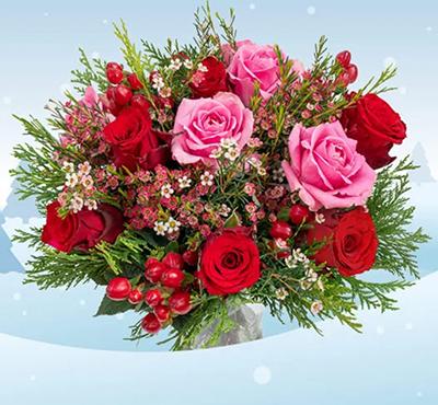 Weihnachtlicher Rosenstrauß für nur 24,98 Euro inkl. Versand + gratis Blumenvase