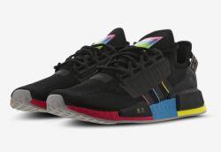 Adidas NMD R1 V2 Sneakers in Schwarz für 69,99€