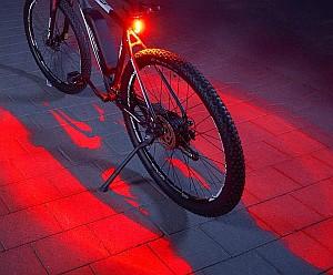 FISCHER Twin Fahrrad-Rücklicht mit 360° Bodenleuchte für 7,99€ inkl. Prime-Versand (statt 12,99€)